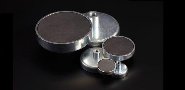 Base magnética de Ferrita con roscado interior-0